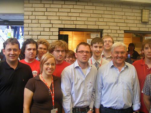 Frank-Walter Steinmeier mit den Jusos und Stefan Schwartze